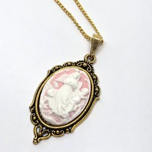 Jewelry - 🆕Gold Pink Angel & Cherubs Cameo Pendant Necklace